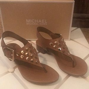 Shoes - Michael Kors Valencia leather thong 6.5